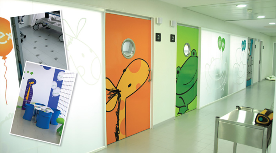 Decoración boxes de urgencias pediátricas. USP Dexeus, Barcelona.